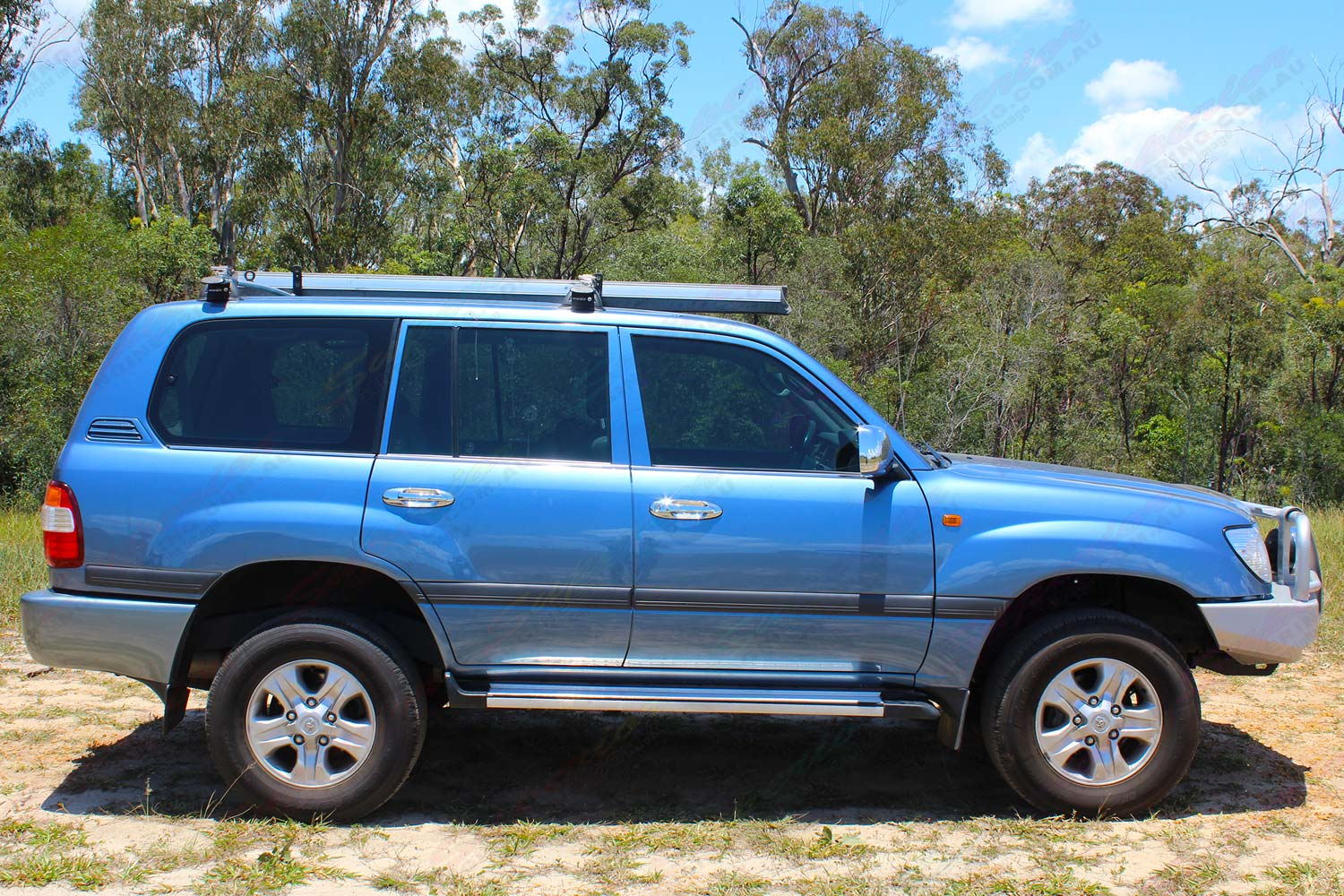 Toyota Landcruiser 100 Series Wagon Blue 64771 Superior Customer Lift Kits Right Side View Of A After Being Fitted With Premium