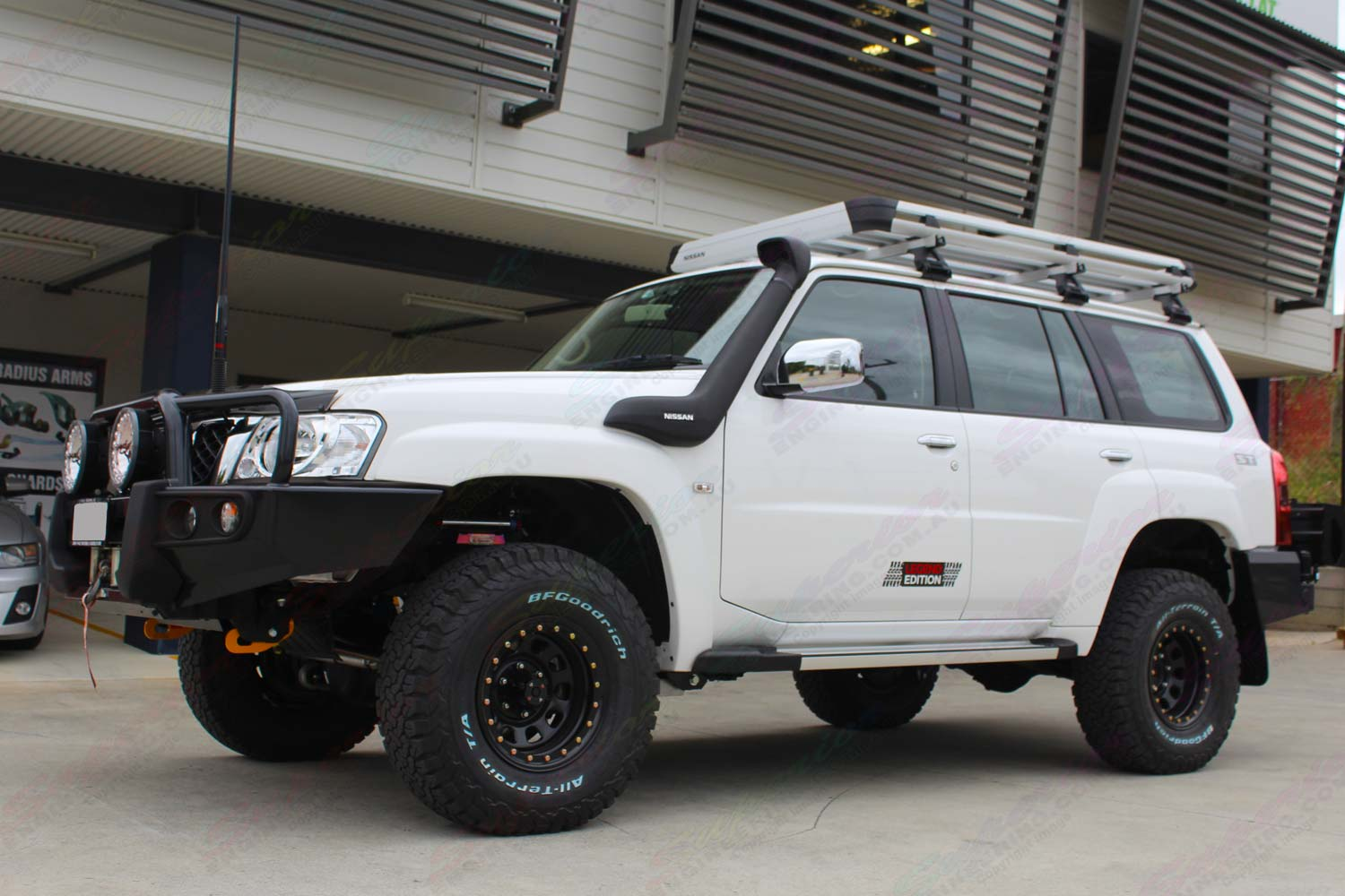 Nissan Patrol Y61 Wagon White 74156 | Superior Customer Vehicles