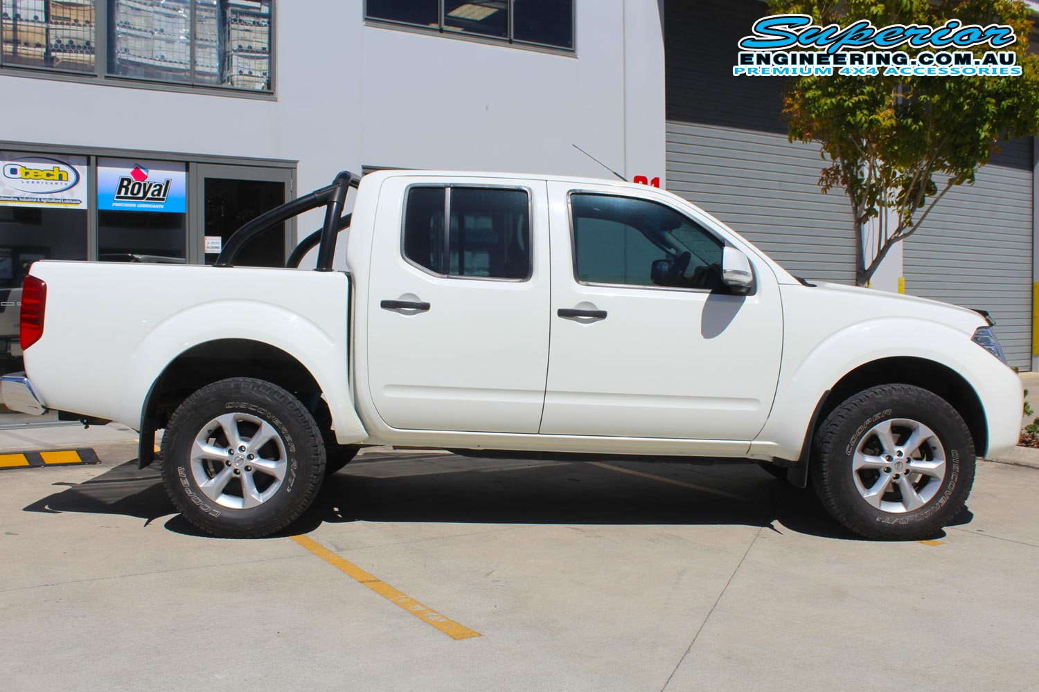 Nissan Navara D40 Dual Cab White 71693 | Superior Customer ...